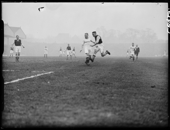 Arsenal-Aston Villa, 1934, Harold Tomlin © Daily Herald / National Media Museum, Bradford / SSPL